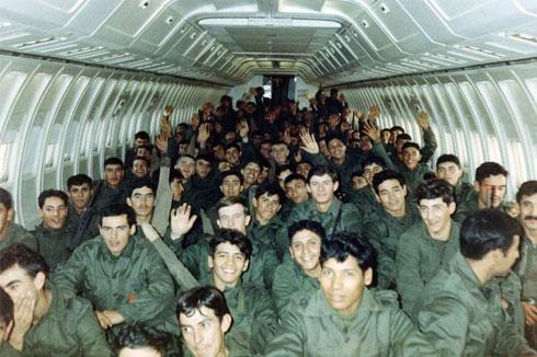 RI MEC 8 transportado en avión a las Islas Malvinas