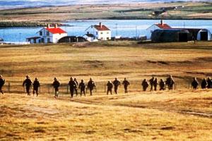 El Batallón de Ingenieros 9 arriba a Bahía Fox